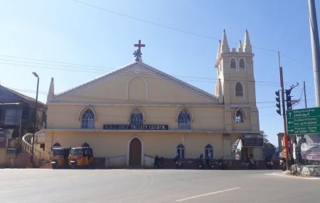 Holy Trinity Church Image