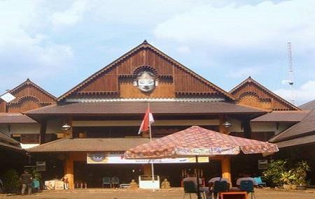 Pasar Triwindu Image