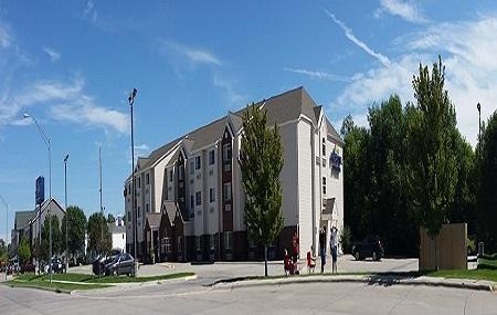 Microtel Inn & Suites By Wyndham Kearney Image