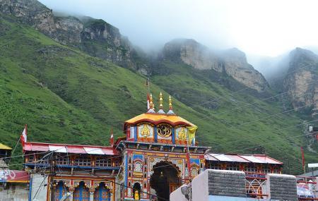 Badrinath Temple Image