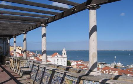 Miradouro De Santa Luzia Image