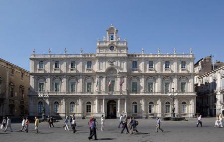 Piazza Universita Image