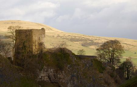 Peveril Castle Image