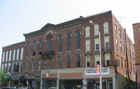Delphi Courthouse Square Historic District Image