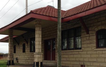 Waupaca Train Station Image