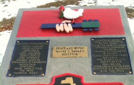 Woodstock Monument Image