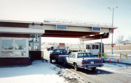Sweetgrass-coutts Border Crossing Image