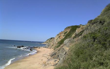 Mohegan Bluffs Image