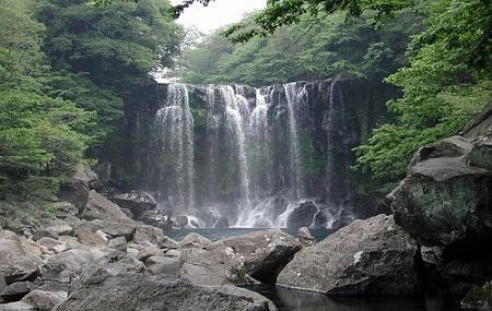 Cheonjeyeon Falls Image