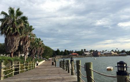 Lake Sumter Landing Image