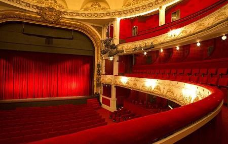 Paris Theatre Image