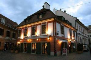 Hotel Senator Haz, Eger