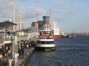 Landungsbruecken, Hamburg
