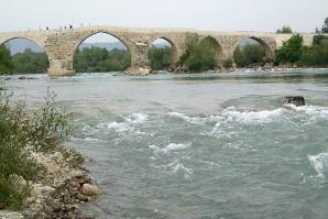Aspendos Bridge, Side