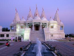B A P S Shri Swaminarayan Mandir, Toronto