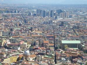 Spaccanapoli, Naples