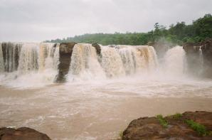 Gira Waterfalls, Saputara