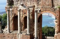 Ancient Greek Theatre And Wine Tasting Walking Tour