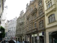 Prague Bus Tour, Boat Tour and Jewish Quarter Tour