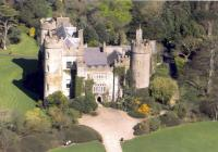 1 day City Sightseeing Hop on-off 3 route and Malahide Castle Tour