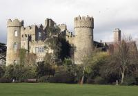 Malahide Castle Tour and Dublin Night 1hr Tour by Bus