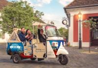 Budapest City Tour in a TukTuk with Free Boat Trip on Danube