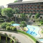 Earls Regency Hotel Kandy