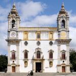 Igreja De Nossasenhora Do Carmo And Capela Dos Ossos