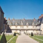 Chateau De Fleville