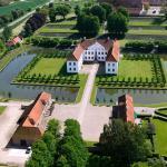 Clausholm Slot Og Park